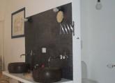 suite padronale, particolare lavabi