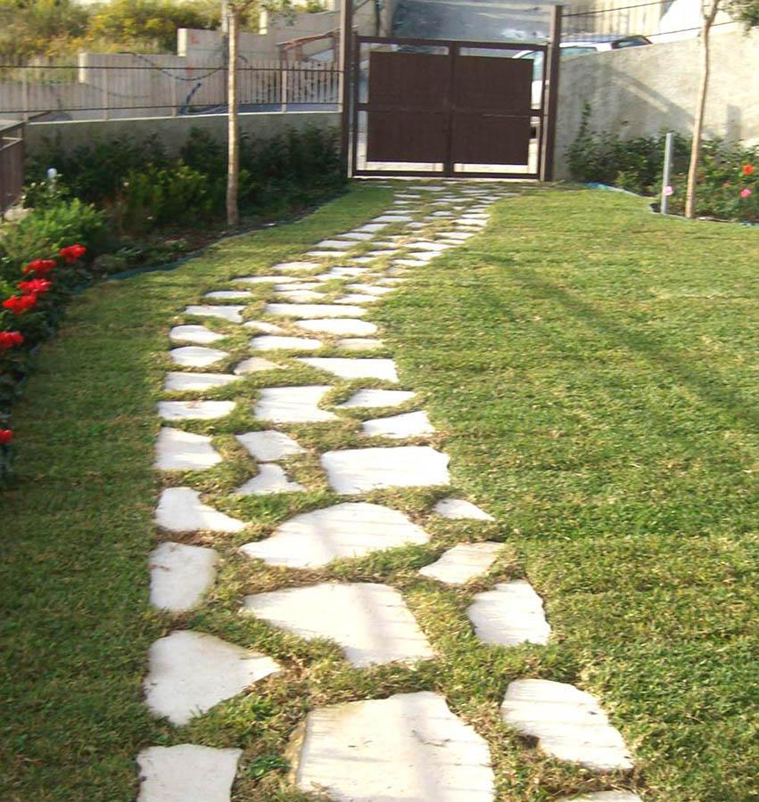 Giardino privato messina zona ingresso pedonale in opus - Ingresso giardino ...
